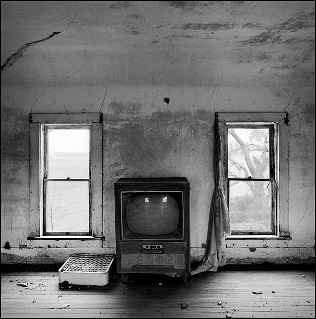 Old Console Tv In An Abandoned Farmhouse Photograph By