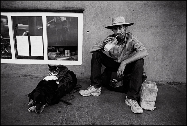 Greg Pike and his famous Rat Cat Dog animal act on San Francisco Street near the Santa Fe Plaza.